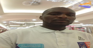 Tony is handsome 28 years old I am from Joanesburgo/Northern Cape, Seeking Dating Friendship with Woman